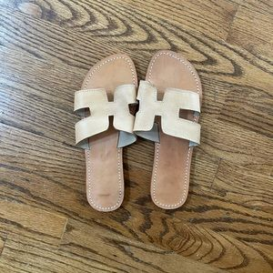 H sandals. Genuine leather.